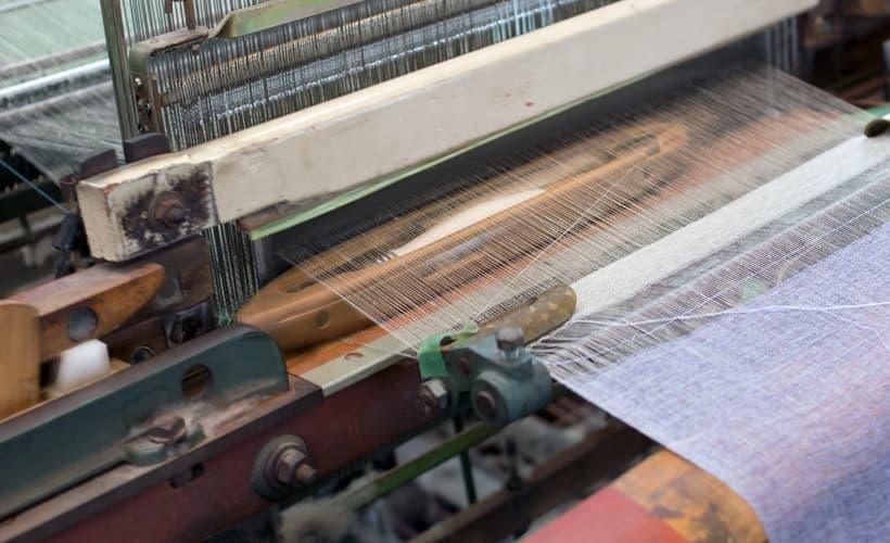 綿紬織物工場