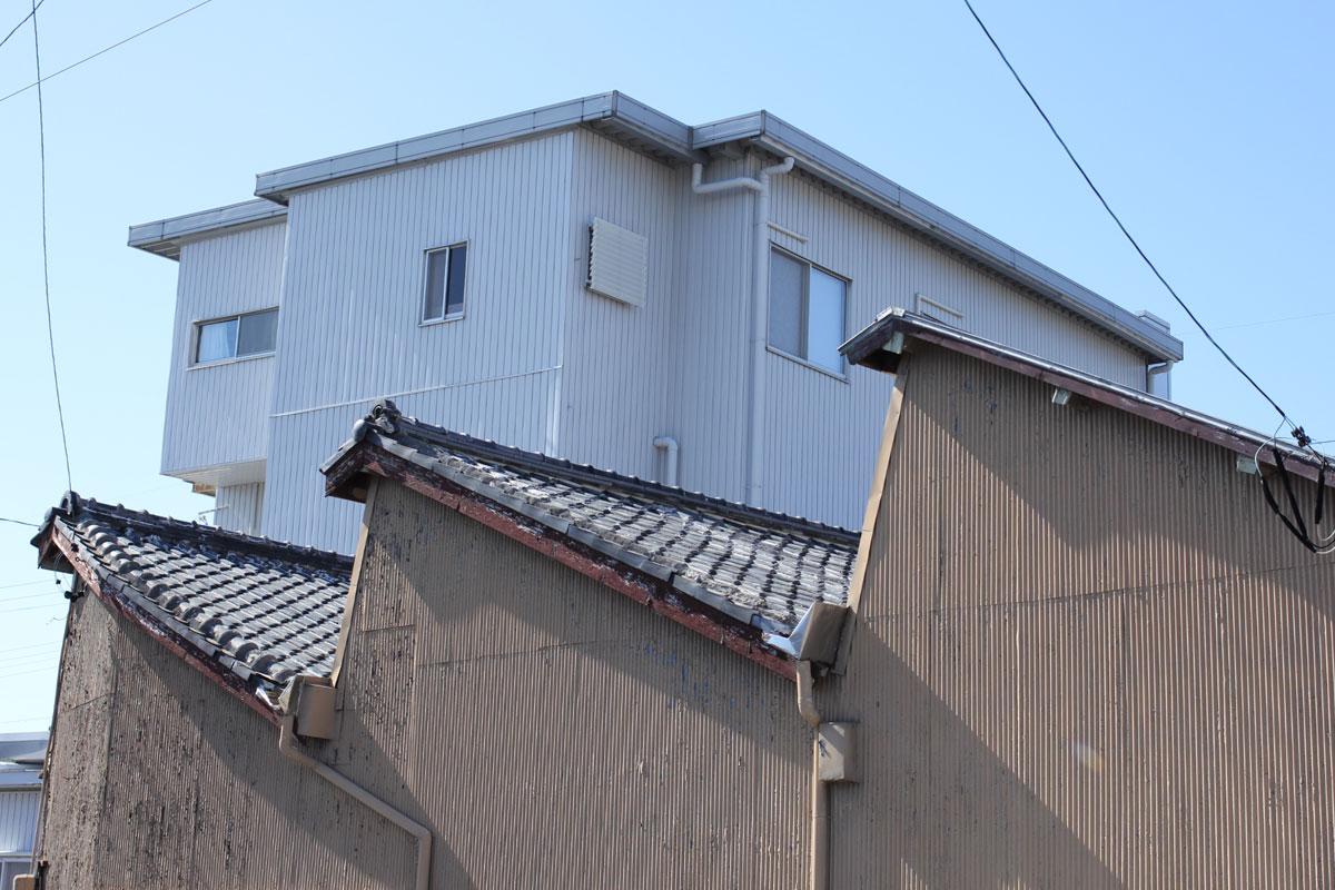 磐田市福田ののこぎり屋根